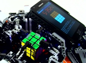 Lego robot beats human world record for solving the Rubiks Cube with Android